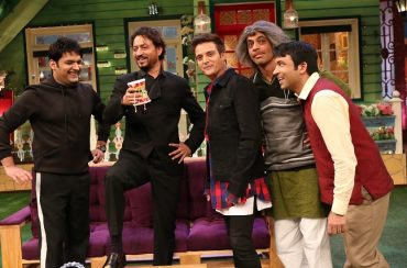 The_starcast_of_Madaari_-_Irrfan_and_Jimmy_have_a_gala_time_on_the_sets_of_The_Kapil_Sharma_Show_with_the_team.jpg